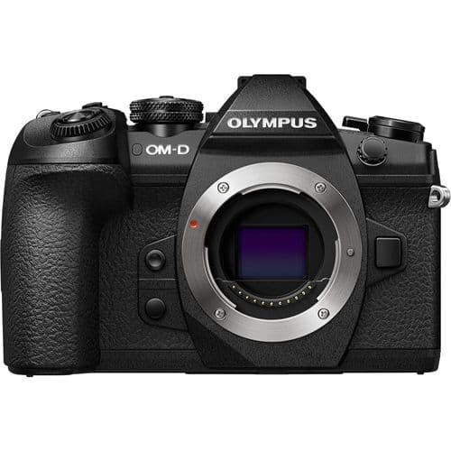 Mirrorless Pro Bundle (Olympus E-M1 II)