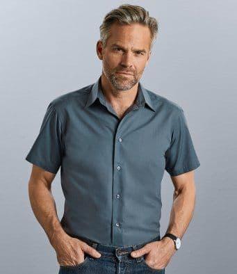 Russell 925M Short Sleeve Tailored Poplin Shirt